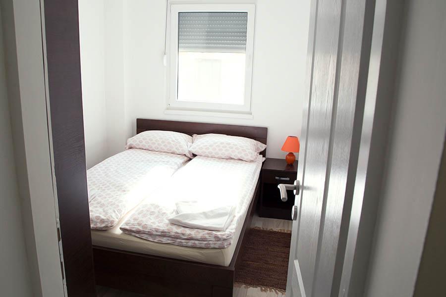 Spavaća soba br. 2 -1 Ana 2
