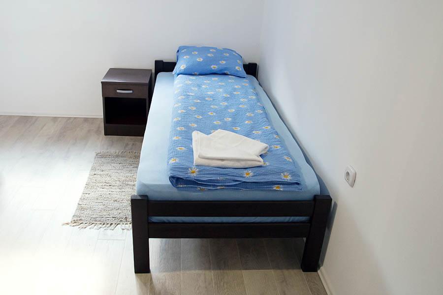 Spavaća soba br. 2 -2 Ana 3